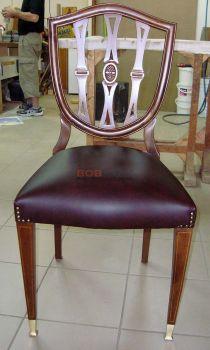 Επισκευή καρέκλας με λούστρο και σούστα