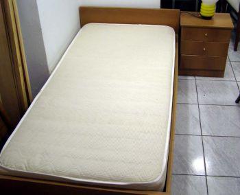 Κρεβάτι μονό ξύλινο